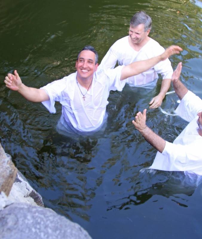 https://convertkit.s3.amazonaws.com/assets/pictures/64831/1989036/content_Jordan_River_-_Baptism2.jpg