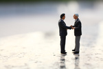 2 men shaking hands   fotolia 68464370 m